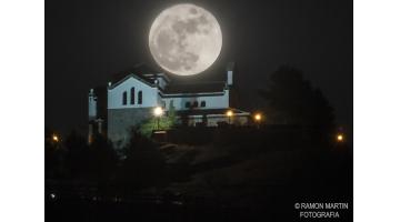 Fotografías de la luna llena de la Navidad 2015. Portada de Ramón Martín.