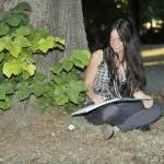 Ainhoa Martínez Retenaga, poeta abstraída por el lenguaje poético. Presentación de la autora en Revista MoonMagazine.
